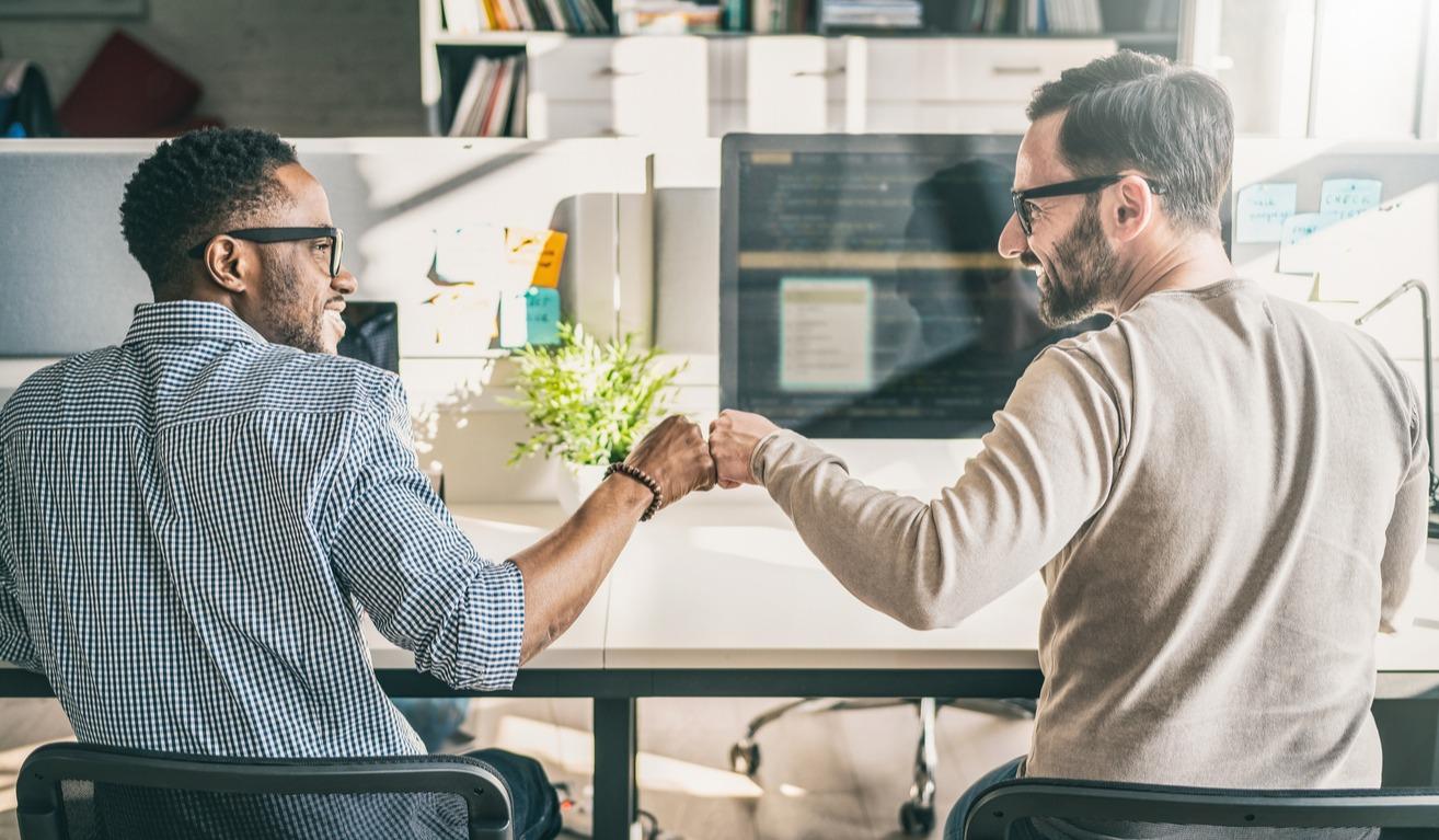 HR Software vs. PEO Services: A False Dilemma?